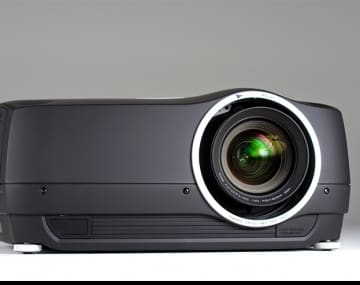Primicia mundial de projectiondesign®: el proyector DLP® de alto rendimiento F35 WQXGA (2,560 x 1,600)
