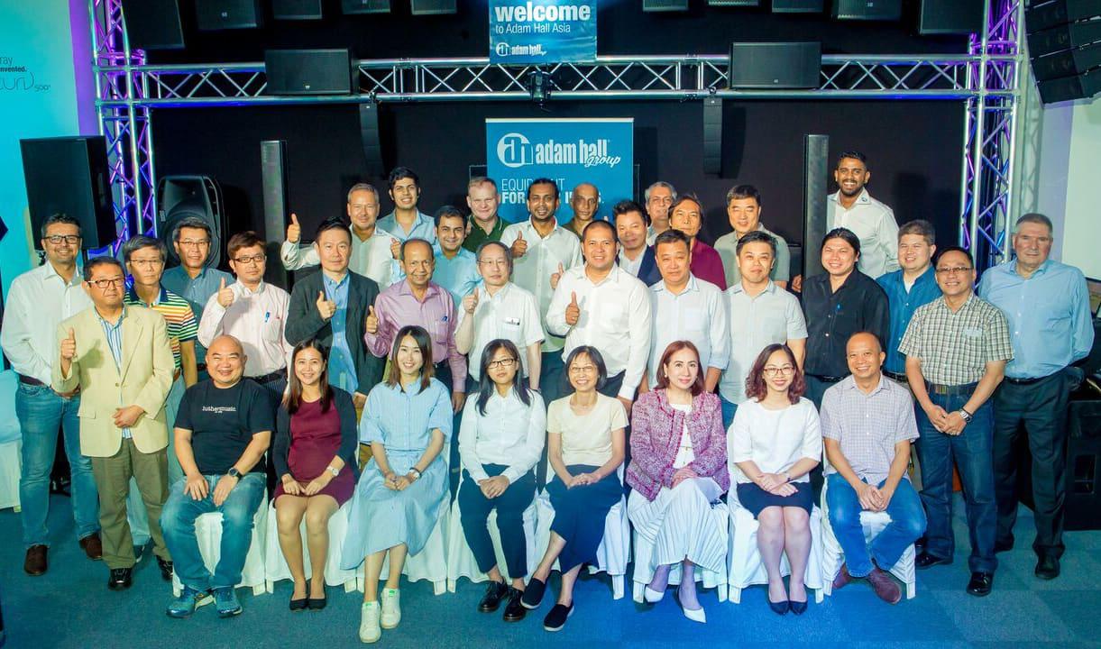 Adam Hall Asia Pte Ltd en Singapur Cumbre inaugural de distribuidores