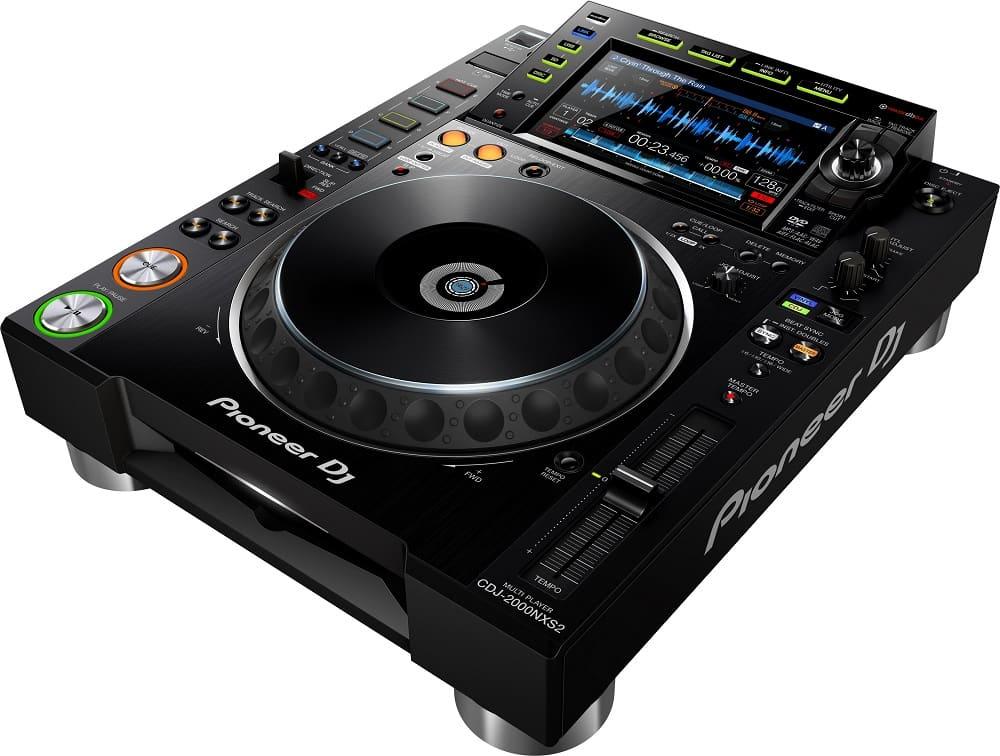 Configuración digital de Pioneer DJ: multireproductores CDJ-2000 NXS2 CDJ-2000 NXS2 y DJM-900 NXS2