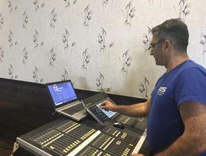 Técnico de sonido de orquesta de verbena