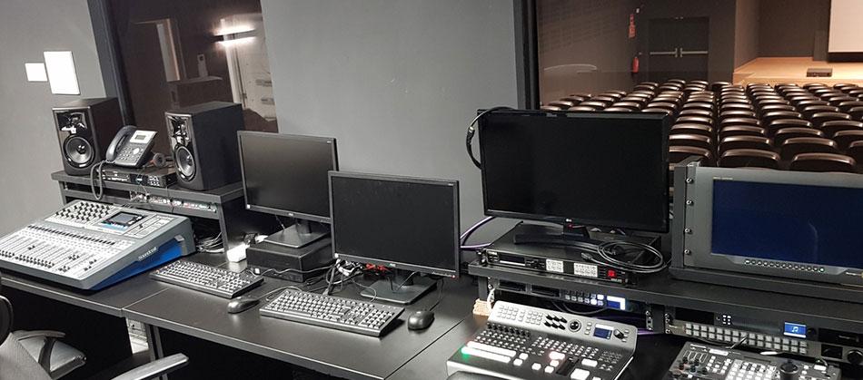 Instalación sistemas audiovisuales de BGL en el Auditorio de Secuoya Studios