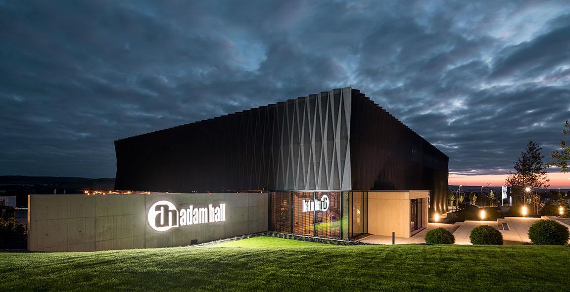 ICONIC AWARD: Innovative Architecture