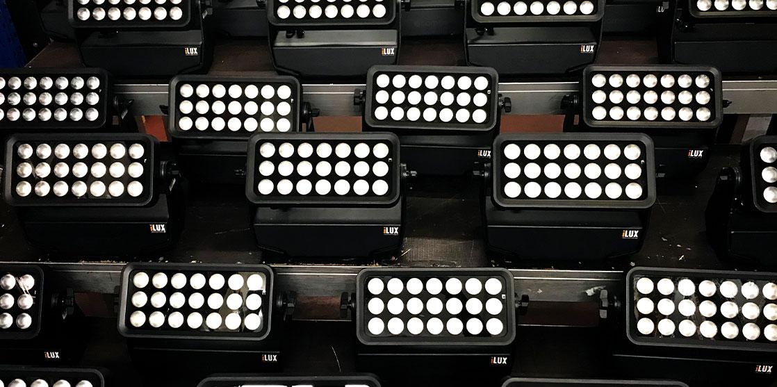 focos LED profesionales para exteriores con batería