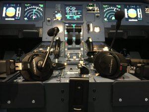 Auriculares BPHS1 y micrófonos PRO70 de Audio-Technica