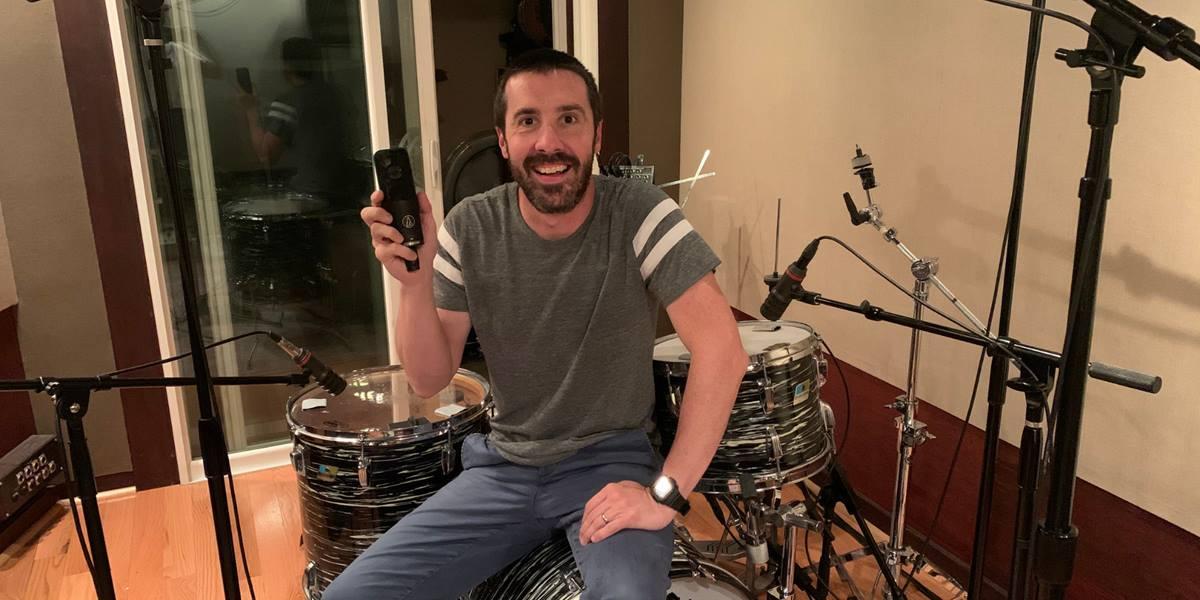 John Spiker productor, ingeniero, mezclador y multi-instrumentista ganador de múltiples premios GRAMMY